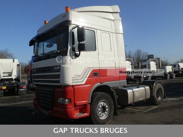 2008 DAF  105 460 Semi-trailer truck Standard tractor/trailer unit photo