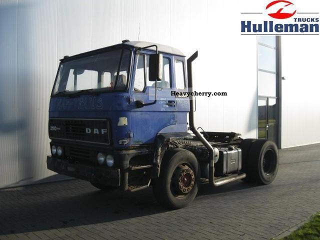 1988 DAF  2100 TURBO 4X2 Semi-trailer truck Standard tractor/trailer unit photo