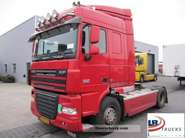 2008 DAF  105 XF 410 SpaceCab € 5 Semi-trailer truck Standard tractor/trailer unit photo