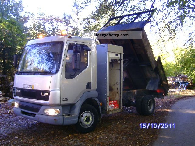 2003 DAF  Left with a huge tool Safe various types Van or truck up to 7.5t Tipper photo