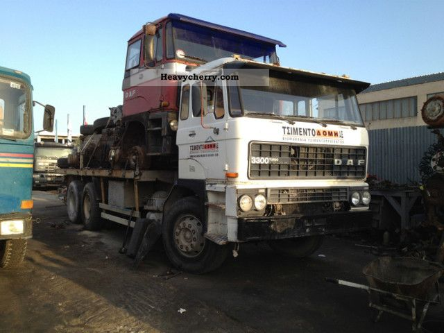 1988 DAF  3300 3600 2800 2300 Semi-trailer truck Standard tractor/trailer unit photo
