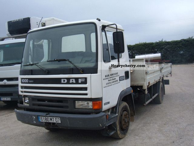 1989 DAF  1000 Truck over 7.5t Stake body photo