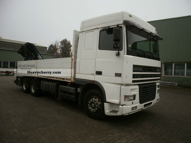 2001 DAF  XF 95.430 6x4 Euro 3 Truck over 7.5t Stake body photo
