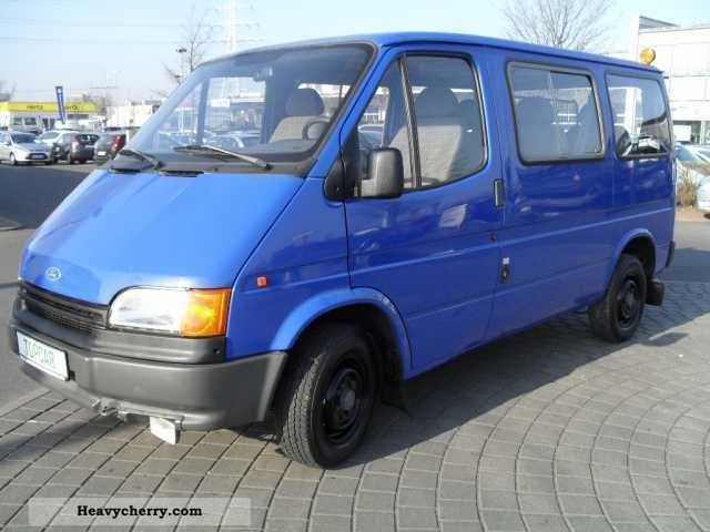 1992 Ford  FT 100 8-seater Van or truck up to 7.5t Box-type delivery van photo