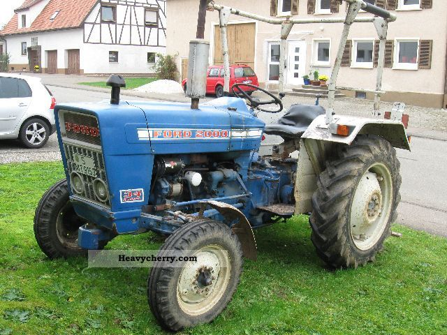 2000 Ford Tractor Information : Ford  agricultural tractor photo and specs