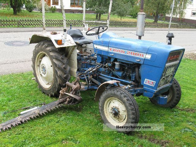ford 2000 1973 agricultural tractor photo and specs. Black Bedroom Furniture Sets. Home Design Ideas