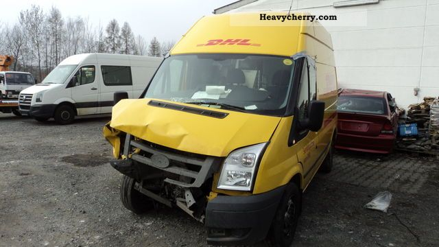 2011 Ford  TRANSIT Van or truck up to 7.5t Box-type delivery van - high photo