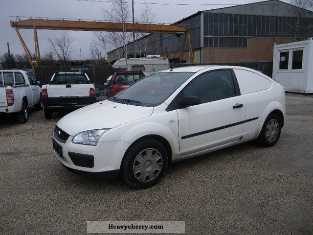 Ford Focus 2006 Box Type Delivery Van Photo And Specs