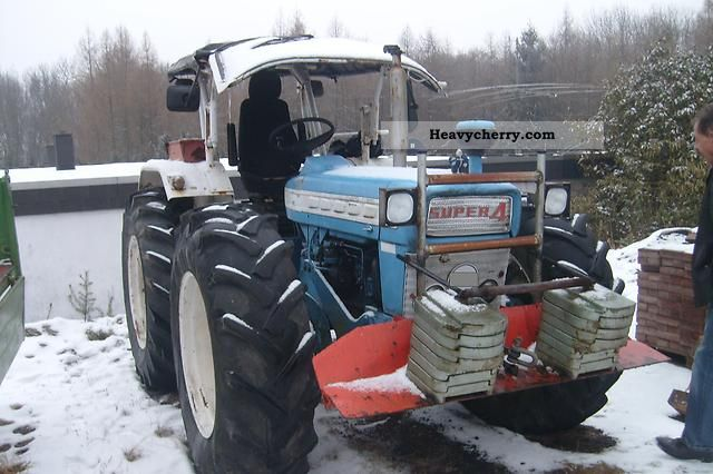1966 Ford  5000 Agricultural vehicle Tractor photo