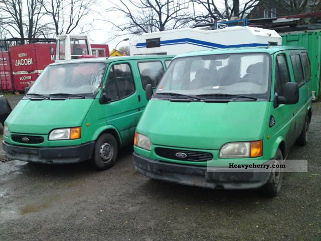 1998 Ford  Transit Van or truck up to 7.5t Box-type delivery van photo