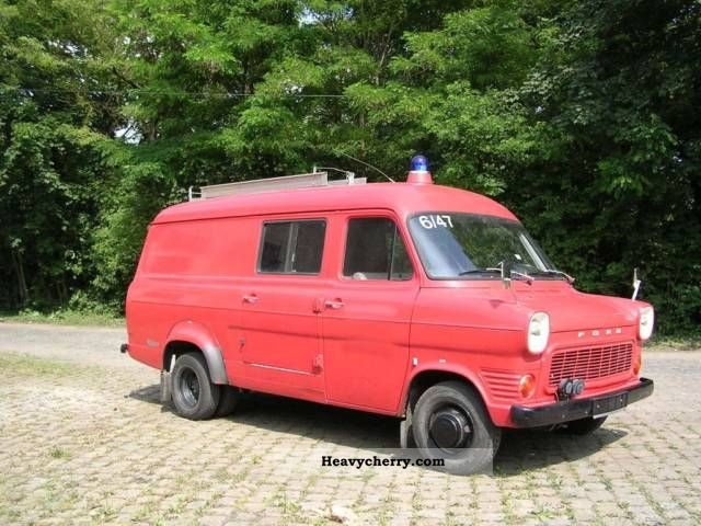 1971 Ford  Transit Van or truck up to 7.5t Box-type delivery van - high and long photo