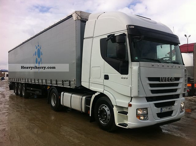 Tractor Trailer Units : Iveco stralis standard tractor trailer unit photo and