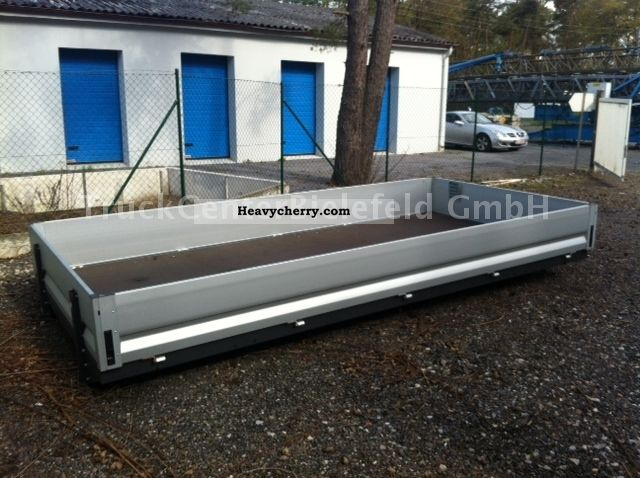 iveco new new meter platform 2012 stake body truck photo and specs. Black Bedroom Furniture Sets. Home Design Ideas