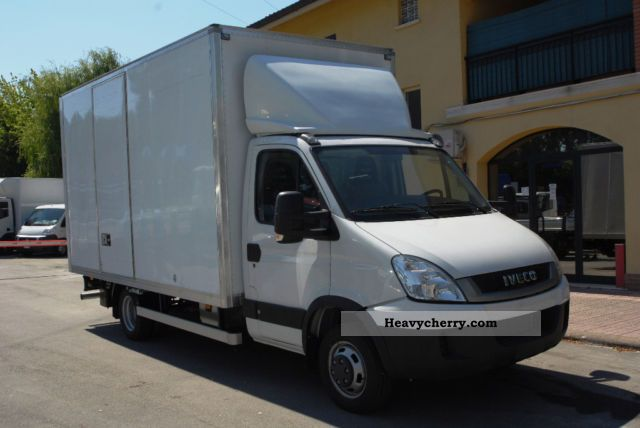 iveco daily 35c15 2011 box truck photo and specs. Black Bedroom Furniture Sets. Home Design Ideas
