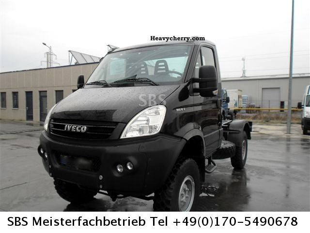 2009 Iveco  Daily 35S18 4x4 Euro 4 wheel drive! Klimaautomat Van or truck up to 7.5t Chassis photo