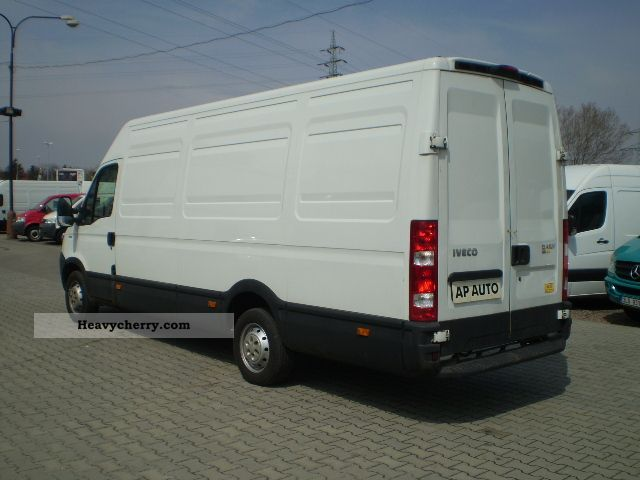 iveco daily 35s13 maxi 2 3hpt 2009 box type delivery van high and long photo and specs. Black Bedroom Furniture Sets. Home Design Ideas