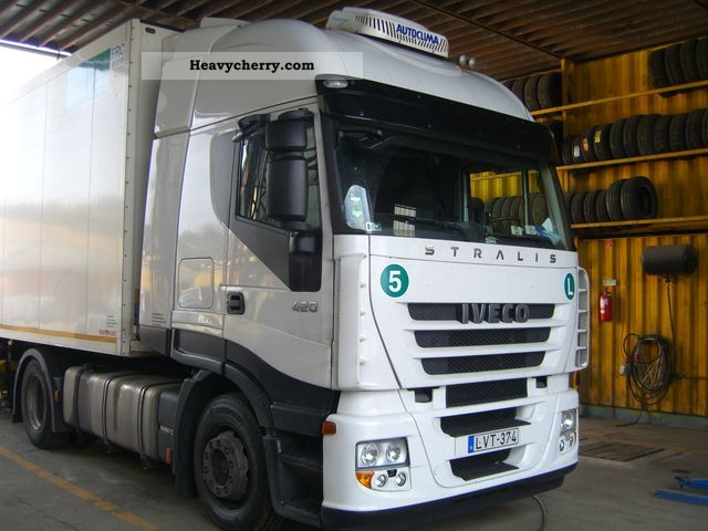 2007 Iveco  As Stralis 440 420 Semi-trailer truck Standard tractor/trailer unit photo