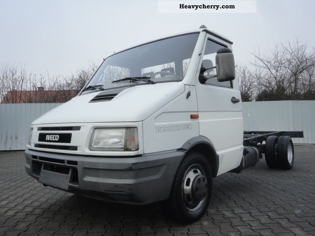 iveco daily 35 10 76 kw maxi chassis 1995 chassis truck photo and specs. Black Bedroom Furniture Sets. Home Design Ideas