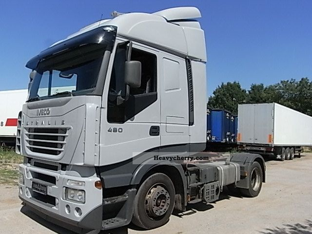 2004 Iveco  AS 440S48 TFPLT / Manuel Semi-trailer truck Standard tractor/trailer unit photo