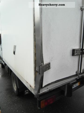 Thermo King V-max 200 Van or truck up to 7.5t Refrigerator body photo