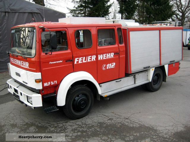 1986 Iveco  120-19 AW fire LF16 4x4 with 1260 liter tank Truck over 7.5t Vacuum and pressure vehicle photo