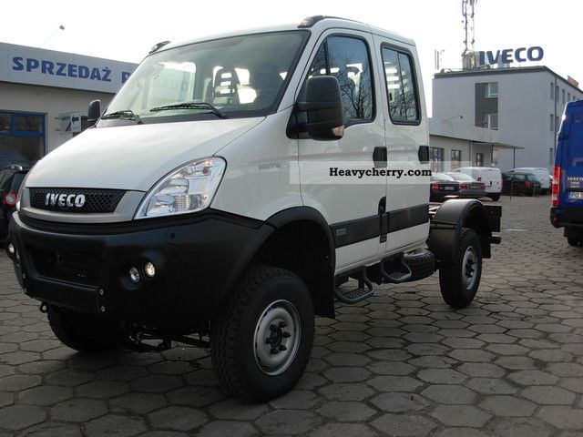 iveco daily 55s17d w 4x4 double cab 2011 chassis truck photo and specs. Black Bedroom Furniture Sets. Home Design Ideas