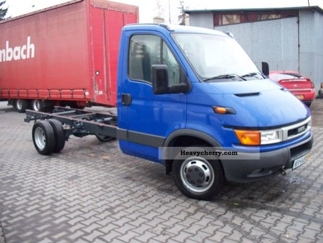 iveco daily 35c15 2004 chassis truck photo and specs. Black Bedroom Furniture Sets. Home Design Ideas