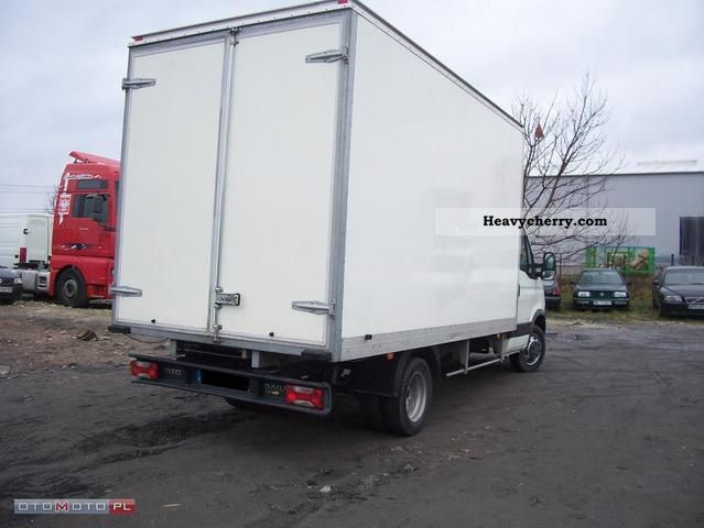 iveco daily 35c15 winda kontener 2008 refrigerator body truck photo and specs. Black Bedroom Furniture Sets. Home Design Ideas
