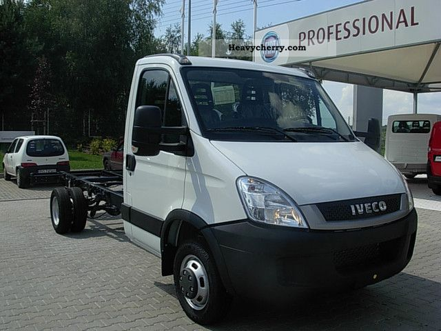 iveco daily 35c15 chassis 3 0hpi 3750 mm 2011 chassis truck photo and specs. Black Bedroom Furniture Sets. Home Design Ideas
