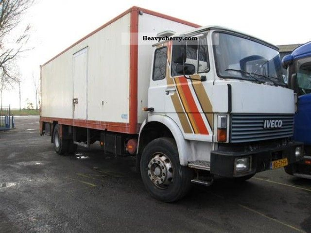 1981 Iveco  / MAGIRUS 168 M 16 FL Truck over 7.5t Box photo