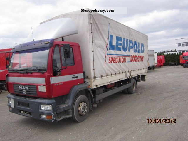 2003 MAN  LE 14.280 Truck over 7.5t Stake body and tarpaulin photo