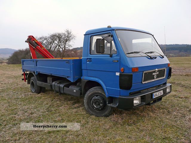 1992 MAN  8150 with rear loading crane Van or truck up to 7.5t Box-type delivery van photo