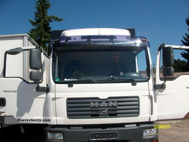 2007 MAN  TGM 12.240 Truck over 7.5t Stake body and tarpaulin photo