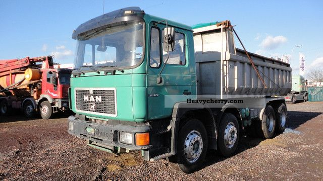 1992 MAN  33 372 Truck over 7.5t Tipper photo