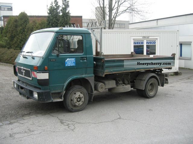 1992 MAN  8100 Van or truck up to 7.5t Three-sided Tipper photo