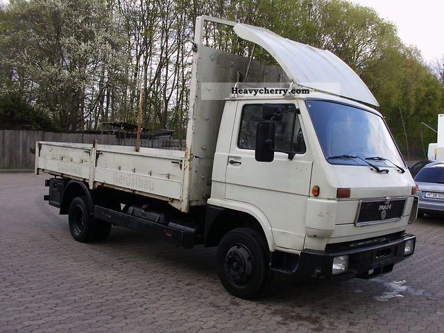 1992 MAN  8150 platform in good condition Van or truck up to 7.5t Stake body photo