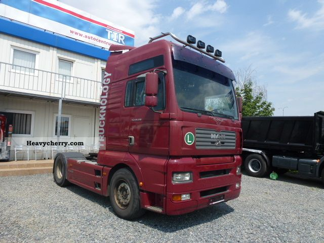 2003 MAN  TGA 18 533 FLS Semi-trailer truck Standard tractor/trailer unit photo