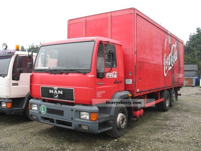 1999 MAN  20 284 Truck over 7.5t Beverage photo