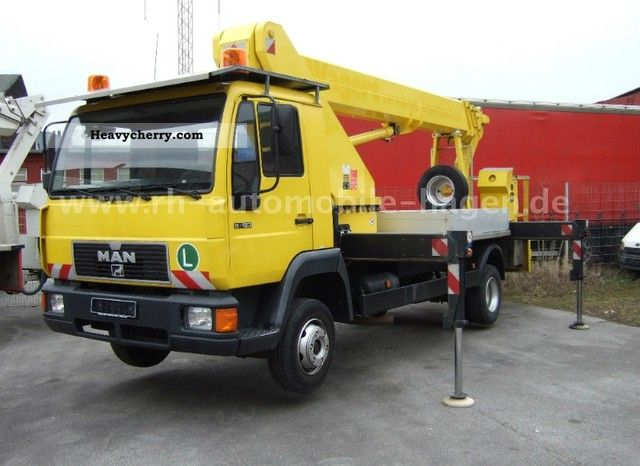 1998 MAN  8163 LC / Wumag WT 260 - 26 m Van or truck up to 7.5t Hydraulic work platform photo