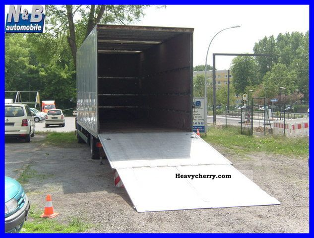 Man 14 284 Cases With Car Ramp And Liftgate 2000 Car