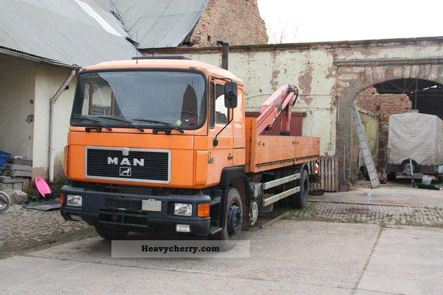 1992 MAN  F01 Truck over 7.5t Truck-mounted crane photo
