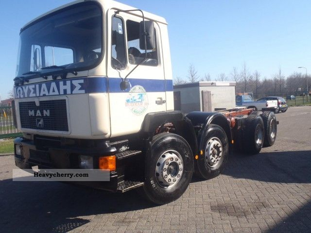 1992 MAN  32 292 8X4 Truck over 7.5t Chassis photo