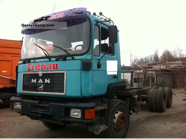 1992 MAN  F09 26 322 6x4 Truck over 7.5t Chassis photo