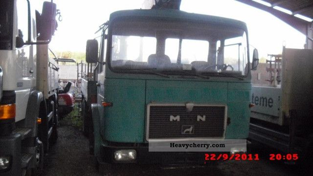 MAN 22 240 10 tires 6x4 chassis 1978 Chassis Truck Photo and