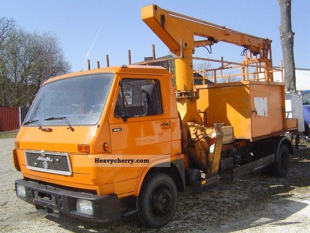 1992 MAN  6100 Rutmann Staiger access platform Van or truck up to 7.5t Hydraulic work platform photo