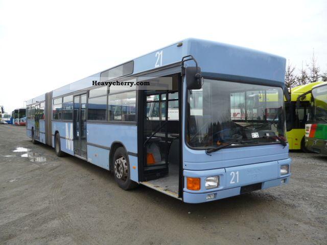 1991 MAN  NG 272 Coach Articulated bus photo