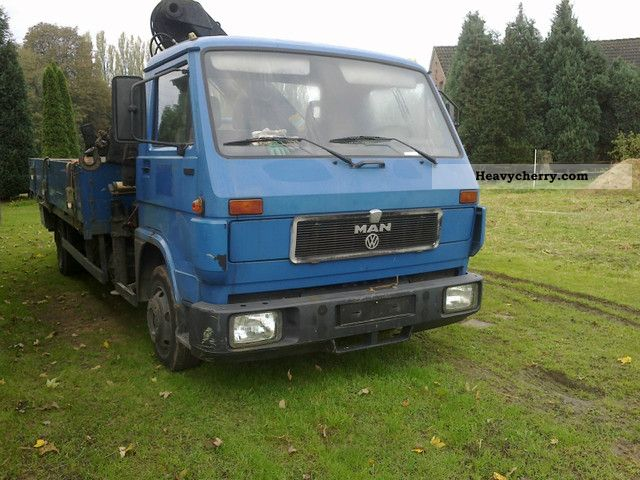 1992 MAN  8150 / / / WITH CRANE HIAB / / / Van or truck up to 7.5t Other vans/trucks up to 7 photo