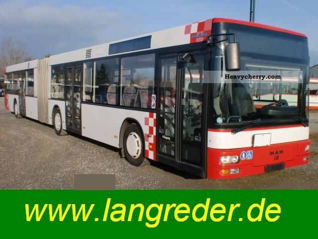 2000 MAN  A 23 NG 353 seats: 63 Coach Articulated bus photo