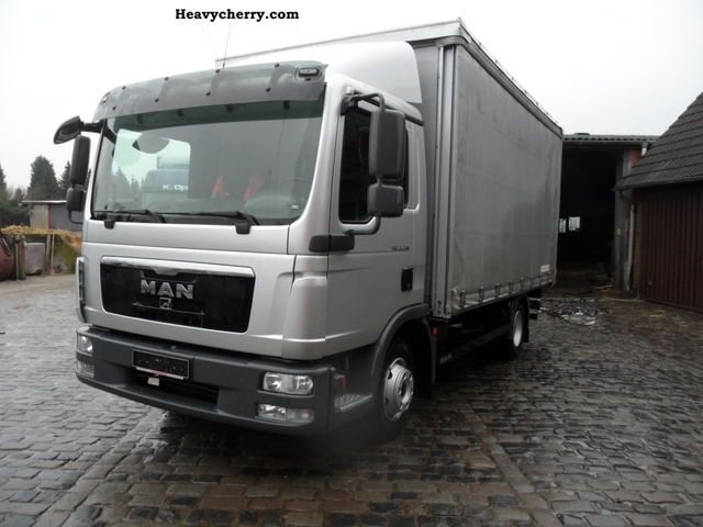 2010 MAN  TGL 9220 BL EURO 5 Van or truck up to 7.5t Cattle truck photo
