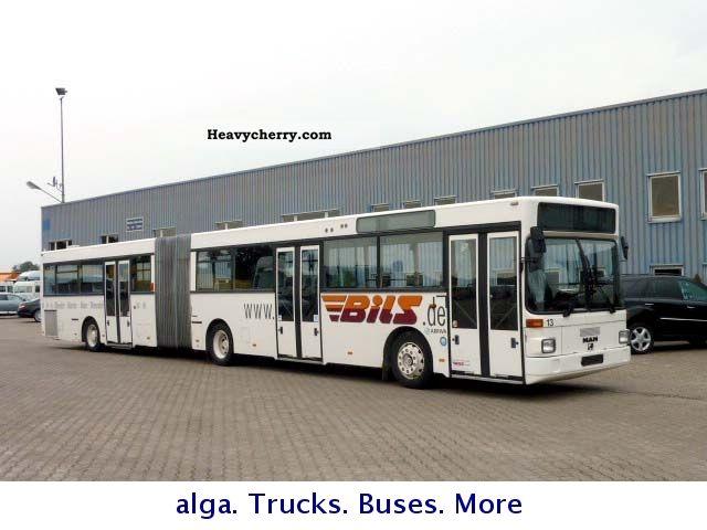 1995 MAN  SG 322 Coach Articulated bus photo